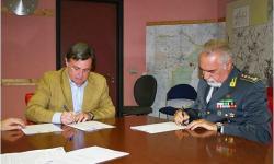 Paolo Dalla Vecchia e Massimo Mocellin (GdF) sottoscrivono il protocollo