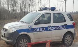 auto della polizia provinciale durante un'operazione di controllo venatorio