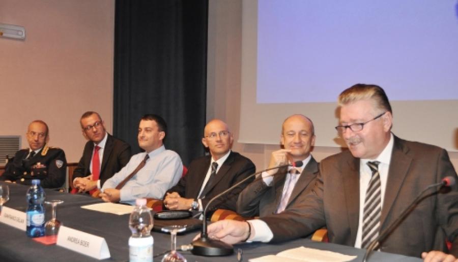 tavolo dei relatori al convegno di apertura della XIII Settimana Web