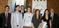 gruppo studenti e studentesse eccellenti premiati a Ca' Corner